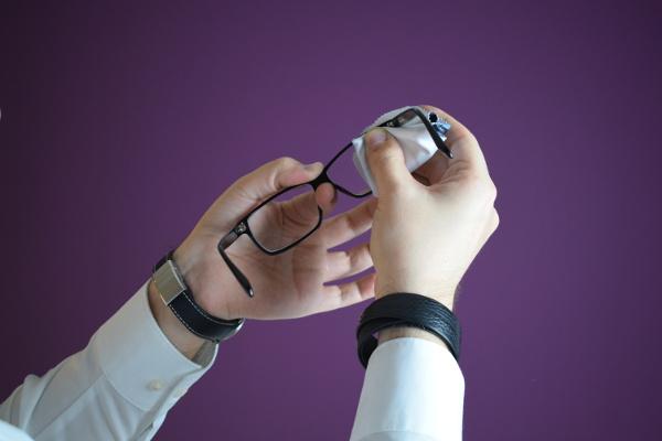 Die korrekte Pflege ihrer Brille
